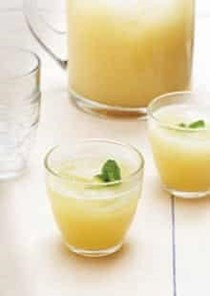 Alcoholic lemonade