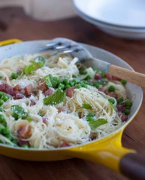 Angel hair with peas and pancetta