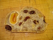 Apricot, raisin & walnut bread (Speja)