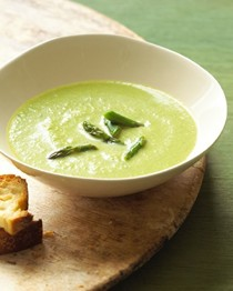 Asparagus and leek bisque with crème fraîche and tarragon