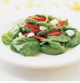 Asparagus, red pepper, and spinach salad with goat cheese