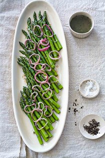 Asparagus with raspberry-shallot vinaigrette