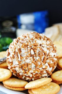 Bacon cheddar pretzel cheese ball