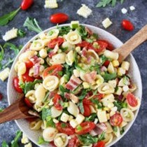 Bacon, corn, and tomato pasta salad
