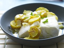 Baked fish with saffron, leek and potato