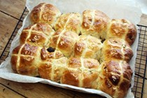 Banana and cinnamon hot cross buns