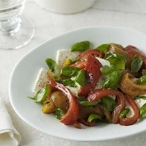 Barbecued pepper and feta salad