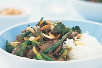 Beef, broccoli and almond stir-fry