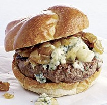 Beef burgers with blue cheese and caramelized onions