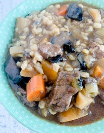 Beef, mushroom, root vegetables & barley soup