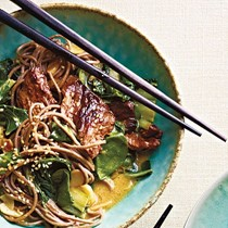 Beef soba noodles with spinach and coconut curry vinaigrette