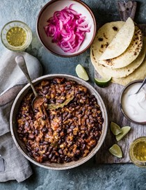 Black bean and chipotle chilli