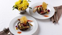 Black quinoa timbales with vegetables