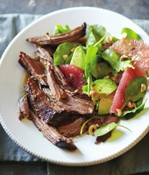 Braised beef with arugula & grapefruit salad