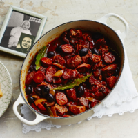 Braised pork with tomatoes, chorizo, thyme and black olives