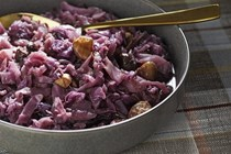 Braised red cabbage with apples and chestnuts