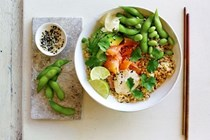 Brown rice & smoked salmon sushi bowls