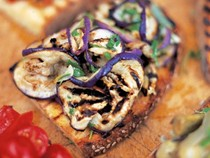 Bruschette with eggplant and mint