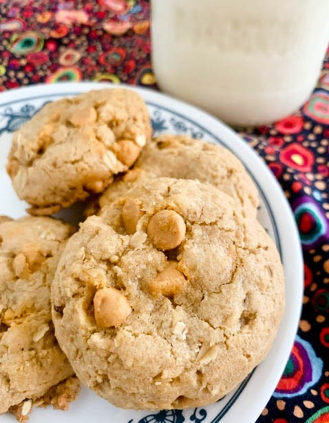 Butterscotch-mace toasted oat cookies