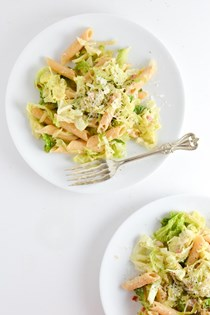 Cabbage, fennel, and pancetta pasta