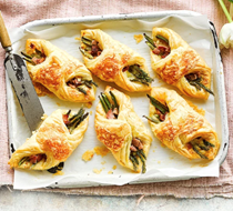 Cheese, bacon & asparagus puffs