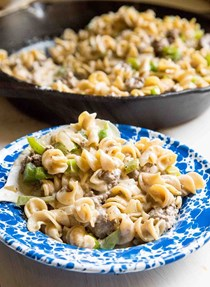 Cheesy hamburger pasta skillet