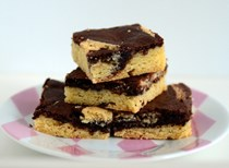 Chewy black and white blondies