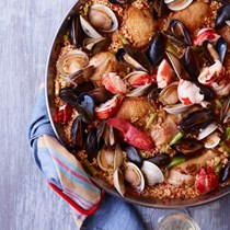 Chicken-and-seafood paella with allioli [Seamus Mullen]