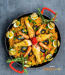 Chicken and shellfish paella (Paella mixta)