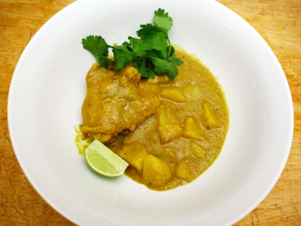 Chicken, lemongrass, and potato curry (Cà-ri gà)