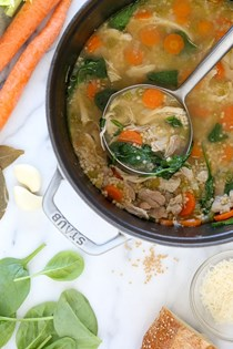 Chicken soup with spinach and whole wheat acini di pepe