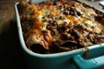 Chili non-carne tortilla bake