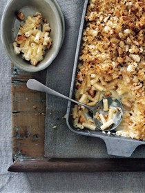 Chilli crumbed mac 'n' cheese