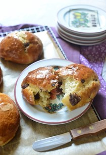 Chocolate chip brioches