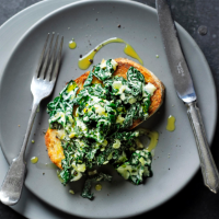 Creamed cavolo nero on toast