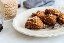 Crispy chicken thighs with Grana Padano breadcrumbs