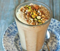 Date shake with toasted nuts (Majoon)