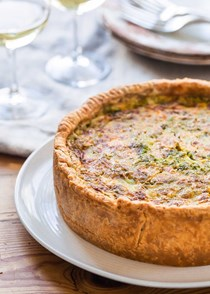 Deep-dish bacon and cheddar quiche
