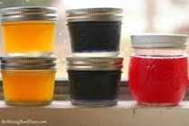 DIY natural food coloring - red/pink