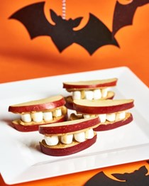 Dracula teeth apple Halloween snack