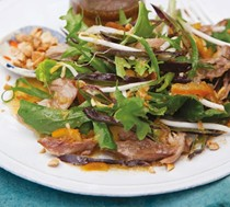 Duck salad with marmalade dressing