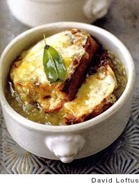 English onion soup with sage and Cheddar