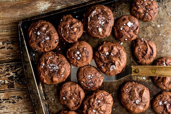 Flourless cocoa cookies