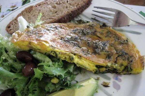 Foraged green frittata