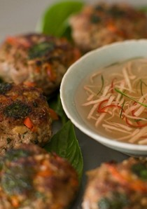 Fragrant Thai prawn cakes