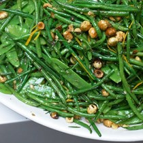 French beans and mangetout with hazelnut and orange