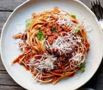 Fresh pasta with quick Bolognese sauce