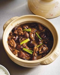 Fuchsia Dunlop's braised chicken with chestnuts (Ban li shao ji)