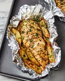 Garlic butter chicken and potatoes foil packets