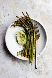 Garlicky roasted chili lime asparagus